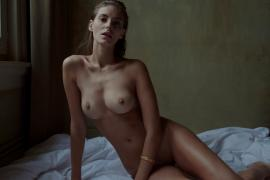 5c389fce6ef5f - Celebrity Naked or Oops - 1 to 4 Pics Only